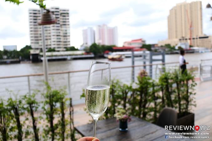 Sparkling Wine along the river