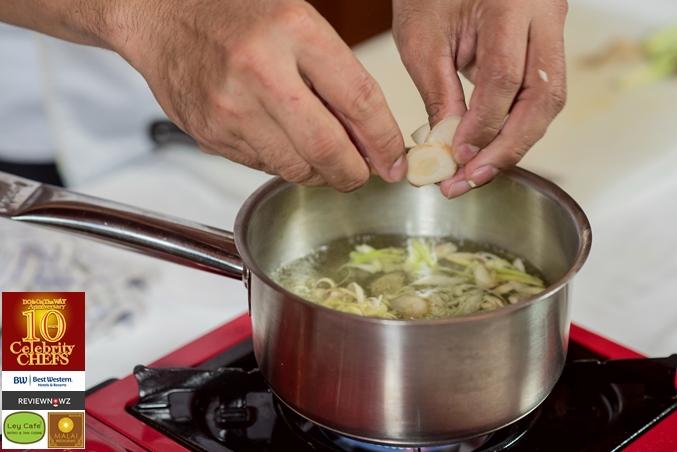 ต้มโคล้งปลากรอบ - น้ำซุป 3