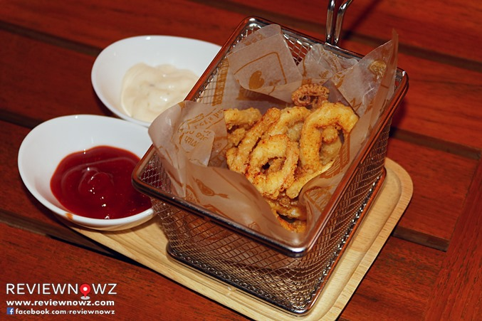 Calamari Con Salsa Tartura