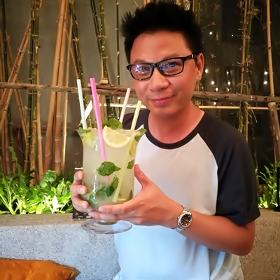 DO is on Hipster Night @ Element