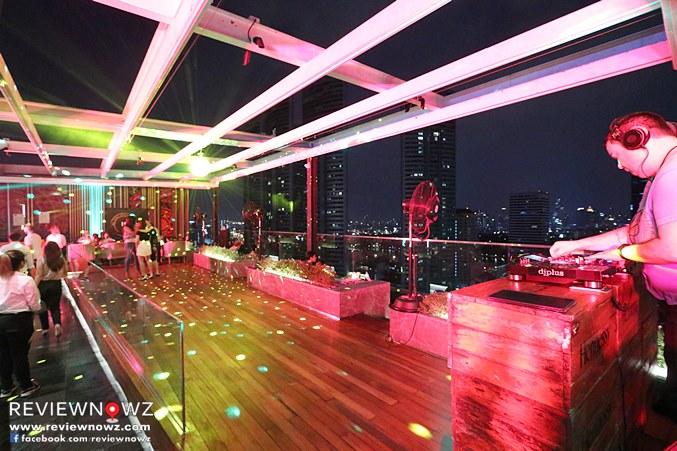 Sky on 20 Rooftop Event - FLOOR