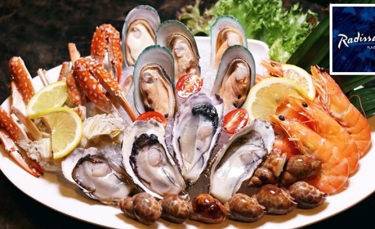 ส่วนลด 50% กับบุฟเฟ่ต์มื้อค่ำที่ Twenty-Seven Bites Brasserie, Raddisson Blu Plaza Bangkok