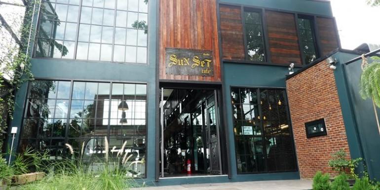 จิบกาแฟริมแม่น้ำเจ้าพระยากับร้านคาเฟ่น้องใหม่ของจังหวัดชัยนาทที่ Sunset Cafe