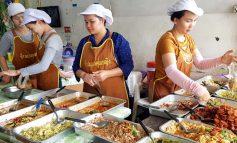 ข้าวแกงย่านสะพานซังฮี้มีเมนูหลากหลายคนเยอะคึกคักที่ร้านข้าวแกงคุณหญิง บางพลัด