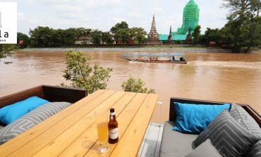 นั่งจิบเบียร์กินขนมชมความงามของวัดพุทไธศวรรย์และสายน้ำที่ Sala Ayutthaya Eatery and Bar อยุธยา