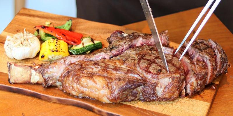 โปร.เนื้อออสเตรเลียลด 50% หอยนางรมฝรั่งเศสและเบียร์สด Hoegaarden 1 แถม1 ที่ The Elephant Butcher & Eatery